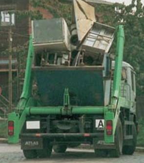 unzureichende-ladungssicherung-von-absetzkipperfahrzeugen